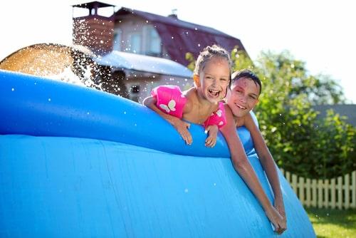 cómo inflar una piscina hinchable