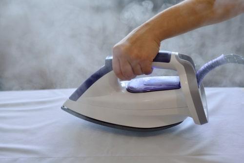 cómo limpiar un centro de planchado